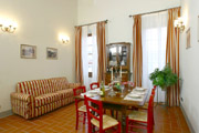 Florence Flat: Living-room with sofa bed of Ghiberti Flat in Florence