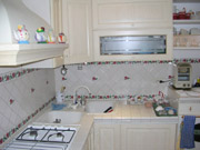 The nice kitchen of the Bed & Breakfast San Pietro in Rome