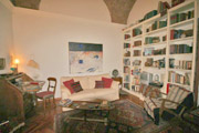 The living-room of the apartment Sant'Elmo in Rome