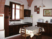 Apartment in Montepulciano: The kitchen of Rose apartment