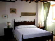 Florence Holidays: Other Double Bedroom of Loggia Apartment