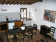 Florenz Urlaub: Küche und Esszimmer der Ferienwohnung Loggia