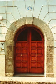Nice Monastery in Piano: Entry of the monastery Sant'Elisabetta