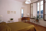 Double bedroom of Contessa Maria Luisa apartment in Florence