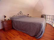 Amalfi Coast Accommodation: The mezzanine level with the double bed of Ludovica Accommodation Type D along the Amalfi Coast