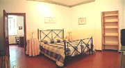 Rome Apartment: Other double bedroom of Scandenberg Apartment in Rome