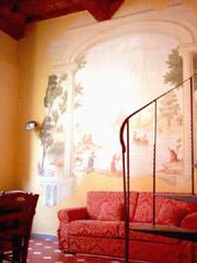 Appartement Location Florence: Salle de séjour avec fresque de l'Appartement Botticelli à Florence