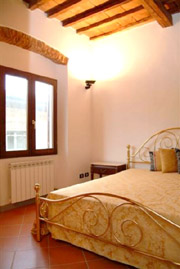 Suite Florence Tuscany: Double bedroom of Uccello Suite in Florence