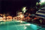 Lodging in Positano: Photo by night of the nice swimming-pool near Vicalvano Type C Lodging in Positano