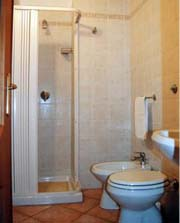 Lodging in Positano: An example of the bathroom of the Vicalvano Type C Lodging in Positano