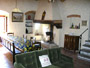 Apartment in Florenze: Dining room with table, chairs and fireplace